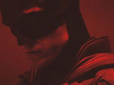 فیلم The Batman با کارگردانی مت ریوز در یک جهان موازی مستقل از DCEU جریان دارد